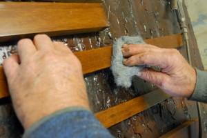 Levighiamo il legno con paglietta