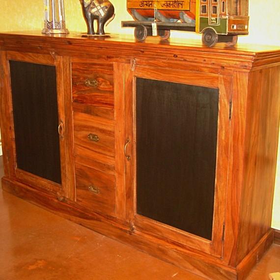 Credenza India, due porte tre cassettoni, legno tek porte laccate nere.