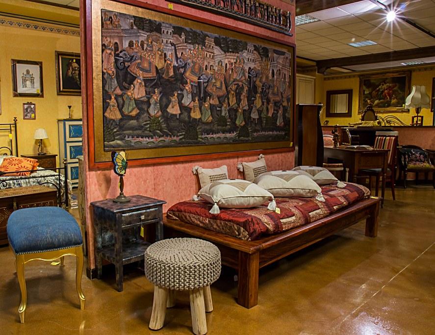 LETTO SINGOLO IN TEC, INDIA DIMENSIONI: L .......X H...... Arredamenti BIANCO Savigliano (CN) www.arredamentibianco.it tel. 0172.71.61.47