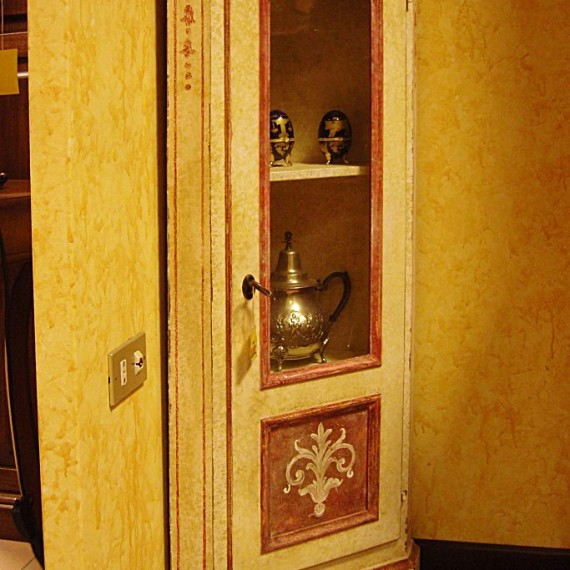 ANGOLIERA DECORATA Arredamenti BIANCO Savigliano (CN) www.arredamentibianco.it tel. 0172.71.61.47 Chiudi ART.11-0065