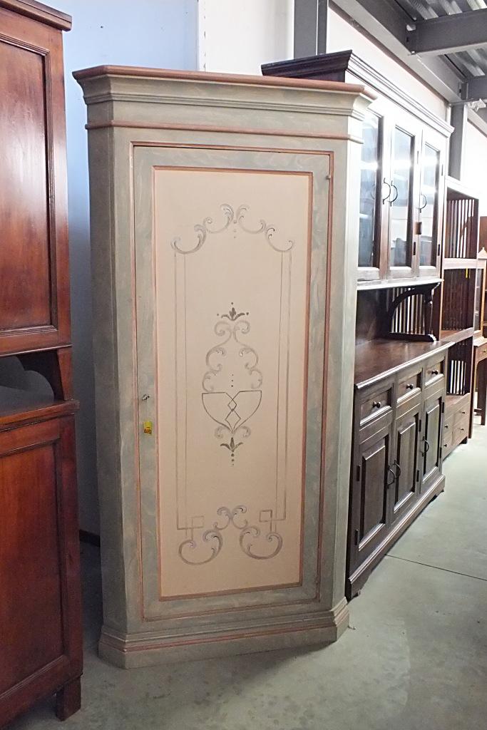 ANGOLIERA ALTA 1PORTA, DECORATA Arredamenti BIANCO Savigliano (CN) www.arredamentibianco.it tel. 0172.71.61.47 Chiudi ART.11-0023