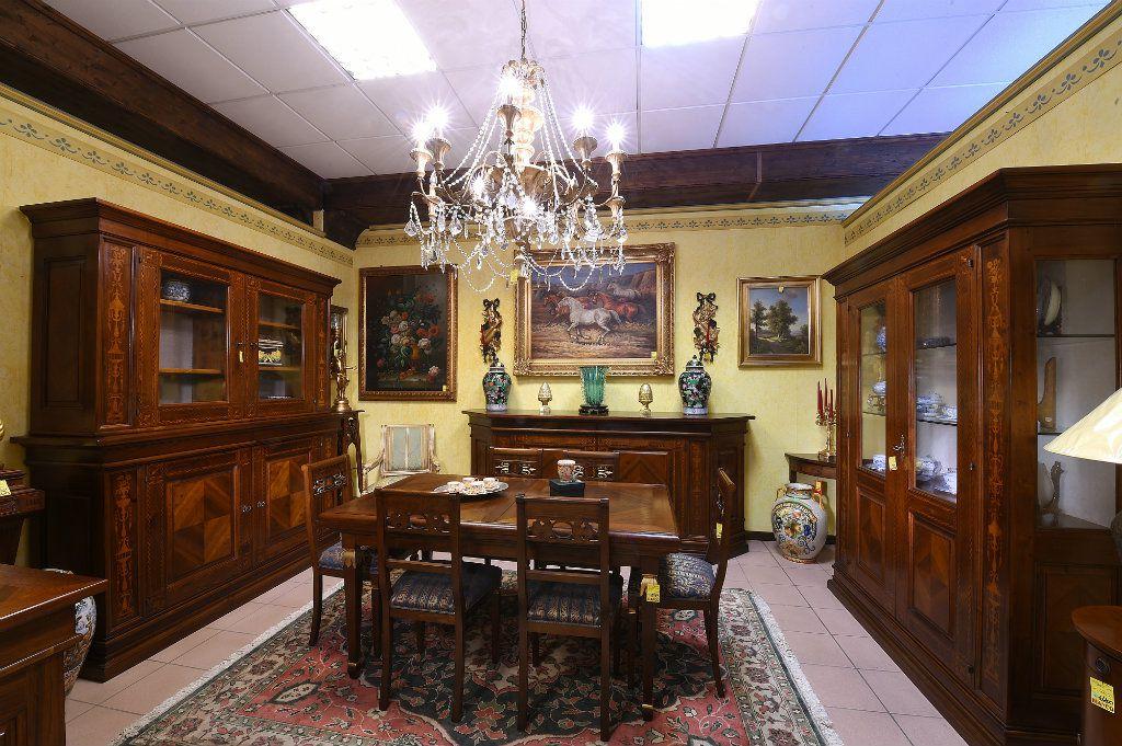 Arredamenti bianco mobili etnici e mobili classici for Arredamento moderno classico