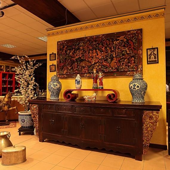 Arredamenti bianco mobili etnici e mobili classici for Arredamenti etnici milano